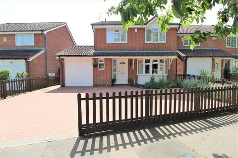 4 bedroom detached house for sale - Mountbatten Drive, Colchester, CO2 8BH