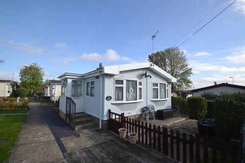 2 bedroom park home for sale - Cummings Hall Lane, Noak Hill