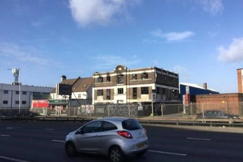Office to rent - North Circular Road, London, NW2