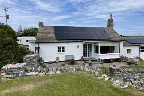3 bedroom cottage for sale - Rhoscolyn, Anglesey