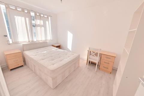 3 bedroom maisonette to rent - Manchester Road, Island Gardens / Greenwich, London, E14 3BE