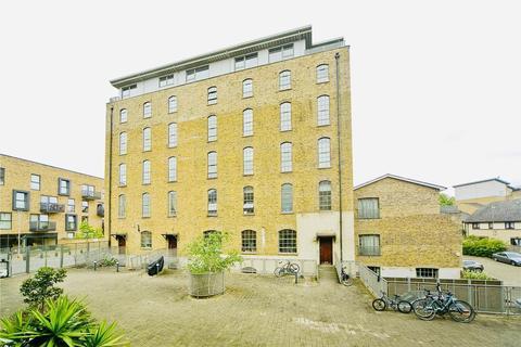 2 bedroom semi-detached house to rent - Barge Lane, Canary Wharf, London, E3 5SB