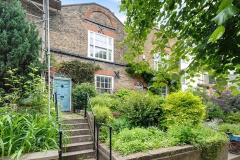 3 bedroom terraced house for sale - Flask Walk, Hampstead Village, London, NW3