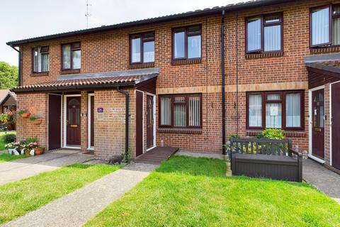 1 bedroom flat for sale - Church Court Grove, Broastairs, CT10