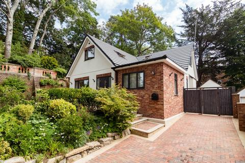 5 bedroom bungalow to rent - Knole Gardens, Bournemouth,