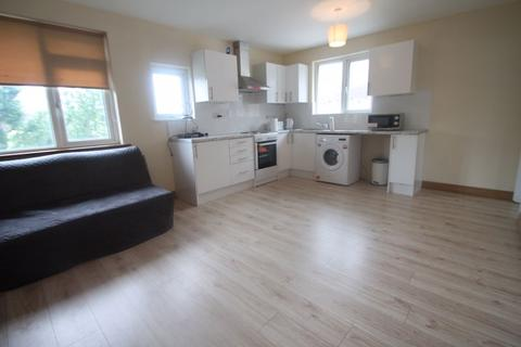 2 bedroom apartment to rent - Swakeleys Road, Uxbridge, UB10