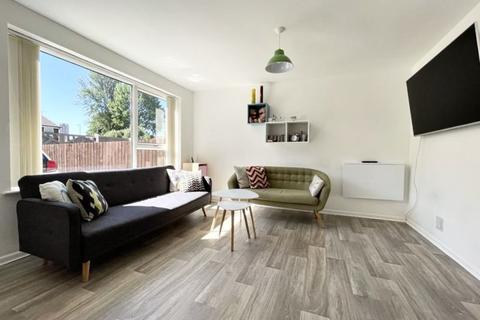 2 bedroom terraced house for sale - Vela Walk, Salford
