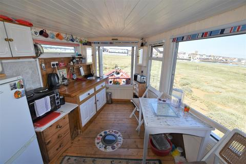 2 bedroom house for sale - Riverbank, Lower Beach Road, Shoreham-By-Sea