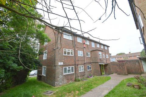 2 bedroom flat for sale - Rockhurst Drive, Eastbourne