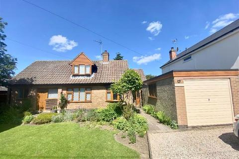 3 bedroom detached bungalow for sale - Hanson Road, Hinckley