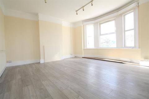 4 bedroom flat to rent - Silver Street