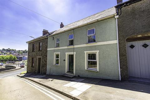 3 bedroom terraced house for sale - 6 Prendergast, Haverfordwest, SA61 2PP