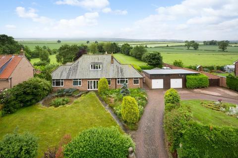 5 bedroom detached house for sale - Wintringham, Malton
