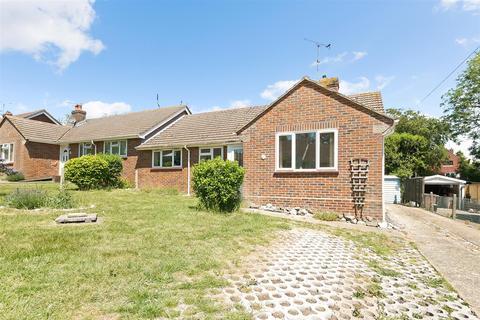 3 bedroom semi-detached bungalow to rent - Stewards Rise, Arundel