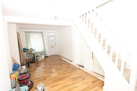 3 bedroom house to rent - Liverpool Road, Luton, LU1