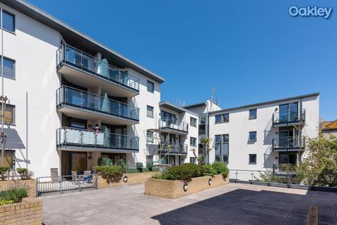 2 bedroom flat for sale - Avalon, West Street, Central Brighton