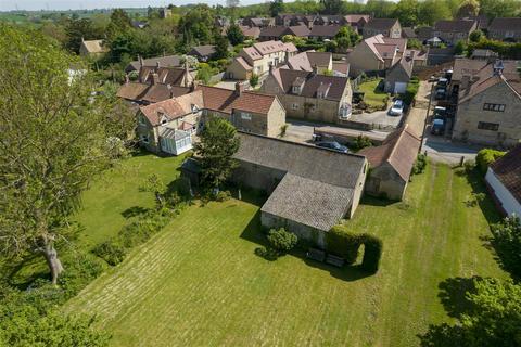 4 bedroom cottage for sale - High Street, Castle Bytham, Grantham