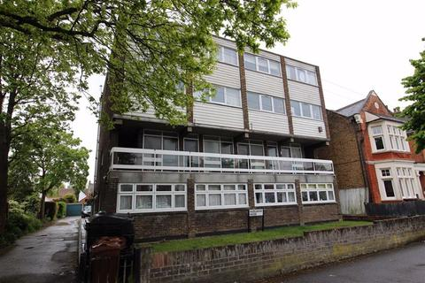 1 bedroom flat to rent - Hazelwood House, North Chingford, London