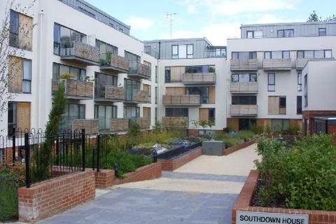 2 bedroom flat to rent - Somerhill Avenue, Hove