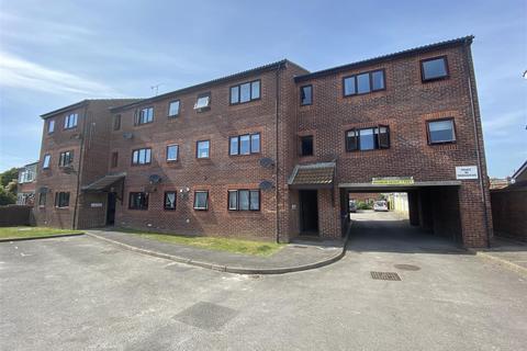 2 bedroom flat for sale - Brougham Walk, Worthing