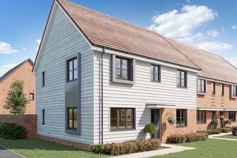 4 bedroom detached house for sale - Plot 197, The Chedworth at Otterham Park, Otterham Quay Lane ME8
