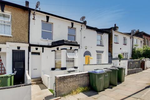 1 bedroom flat for sale - Llanover Road, Woolwich, SE18