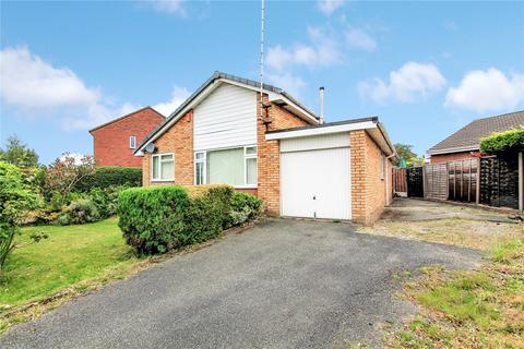 3 bedroom bungalow for sale - Sundale Drive, Crewe, CW2