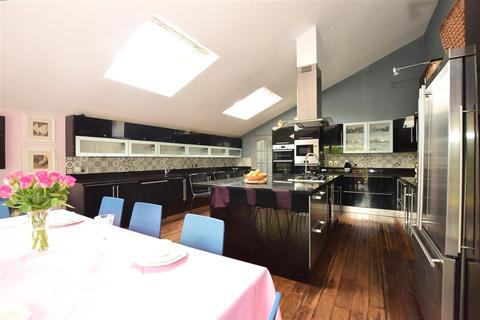 5 bedroom detached house for sale - Brookmead, Hildenborough, Tonbridge, Kent