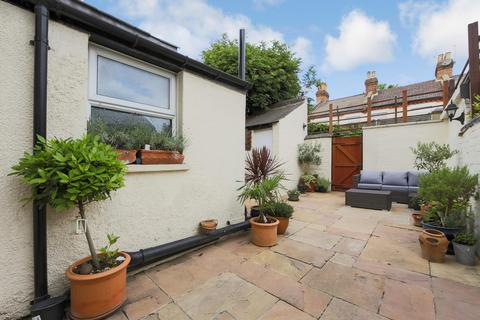 3 bedroom house to rent - Goodhall Street, London, NW10