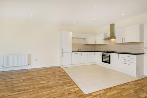 3 bedroom flat to rent - St Helens Gardens, London, W10