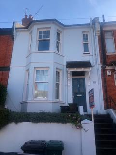 3 bedroom terraced house to rent - Riley Road , Brighton BN2