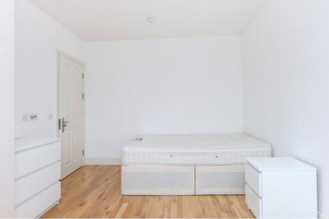 Studio to rent - Windsor Road, W5