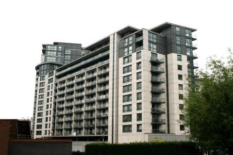 2 bedroom apartment to rent - Centenary Plaza, 18 Holliday Street, Birmingham, B1 1TB