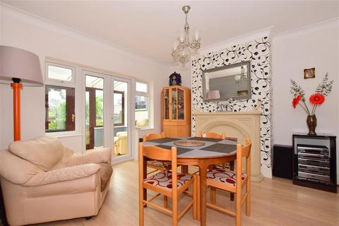 4 bedroom detached house for sale - Carlton Road, Gidea Park, Essex
