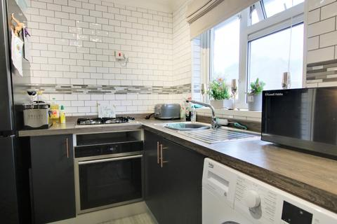 1 bedroom maisonette for sale - SPACIOUS FLAT! GORGEOUS KITCHEN! GARDEN! A MUST SEE!