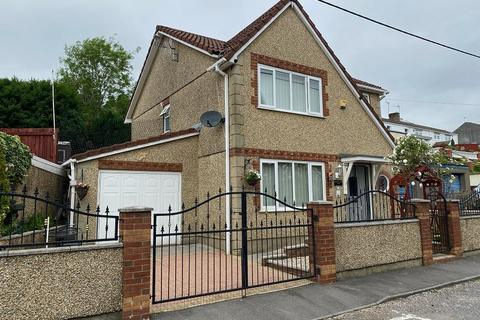 3 bedroom detached house for sale - Aberclydach Place, Clydach, Swansea, City And County of Swansea.