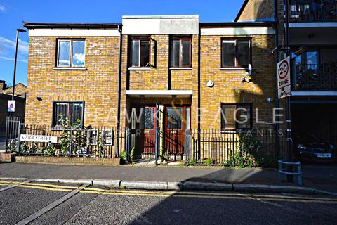 3 bedroom house to rent - Carr Street, London, E14