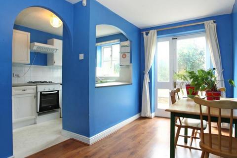 3 bedroom apartment to rent - Mast House Terrace, London, E14