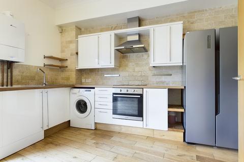5 bedroom terraced house to rent - Western Street, Brighton BN1