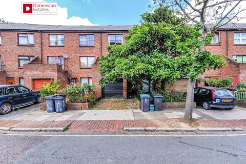 5 bedroom townhouse to rent - Plevna Crescent, London, N15
