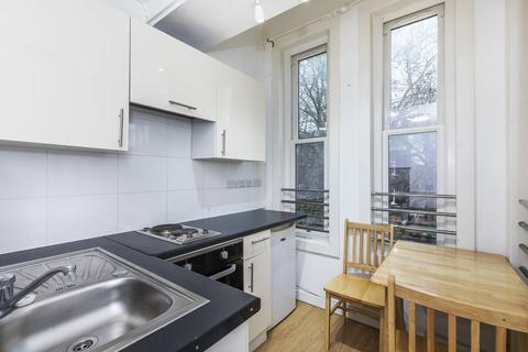 Studio to rent - Fitzjohns Ave, Hampstead, London NW3