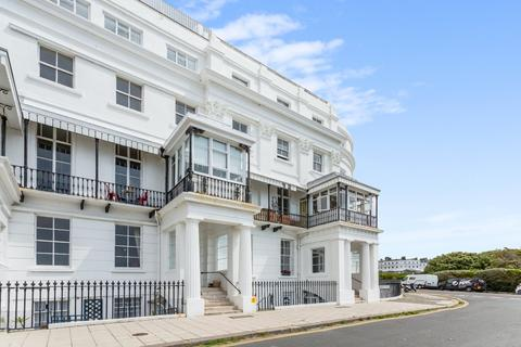 3 bedroom apartment for sale - Chichester Terrace, Brighton, East Sussex, BN2