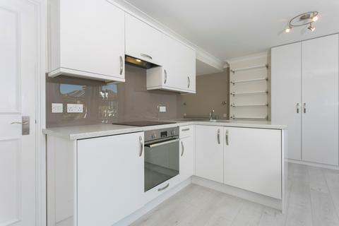Studio to rent - Gauden Road, Clapham, SW4