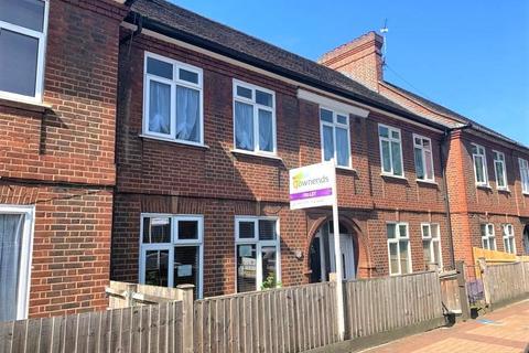 4 bedroom maisonette to rent - Southcroft Road, London, SW16
