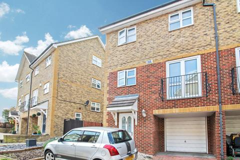 4 bedroom townhouse for sale - Dillywood Fields, Rochester, Kent, ME3 8EY