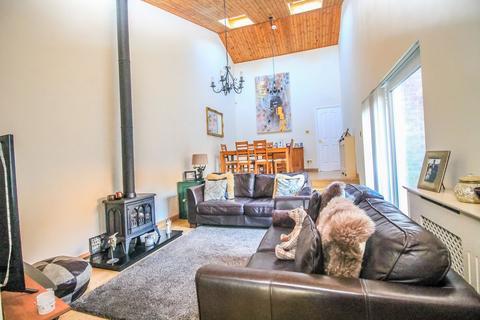 3 bedroom bungalow for sale - Chipchase, Oxclose, Washington, NE38