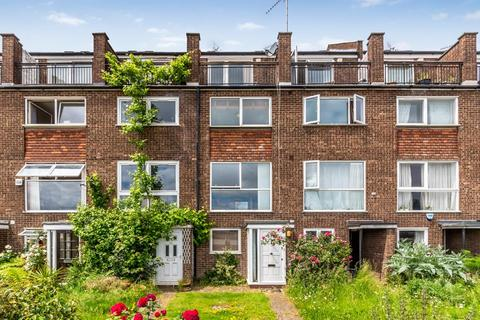 3 bedroom terraced house to rent - Capstan Square, London, E14