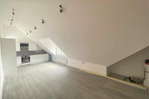 1 bedroom flat to rent - Malden Road, Worcester Park, London, KT4 7NL