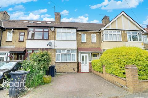 3 bedroom terraced house for sale - Uplands Road, Woodford Green, Essex, IG8