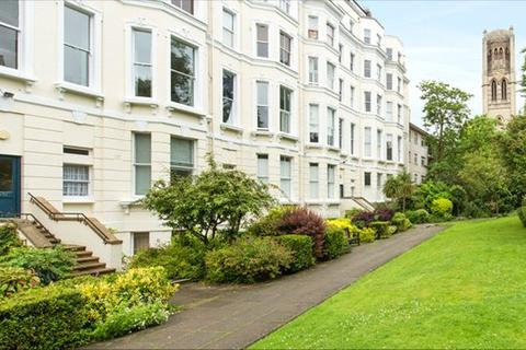Studio to rent - Colville Gardens, Notting Hill, London, W11